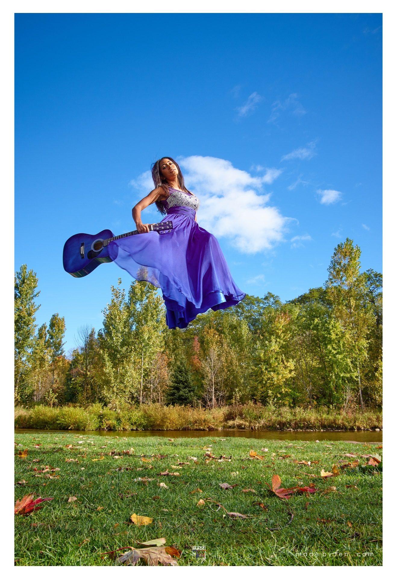 Dress Guitar Floating Levitating Fall - GTA Women Fantasy Photography