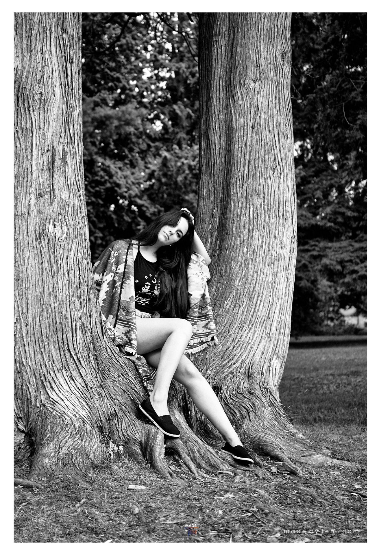 Woman Sitting Tree - GTA Women Lifestyle Photography